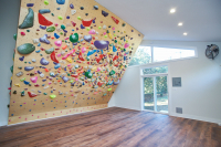 007_climing_wall