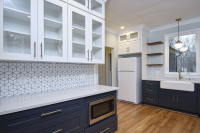 1712-vista-kitchen-glass-cabinets